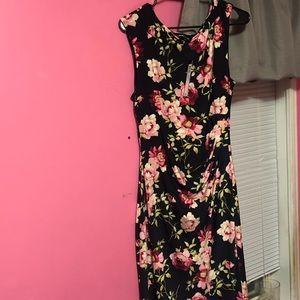 LOVELY Catherine Malandrino Floral dress 🔥❤️